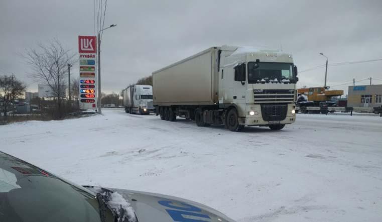 Время еще есть. Сроки предновогоднего запрета на въезд грузовиков в Челябинск изменили