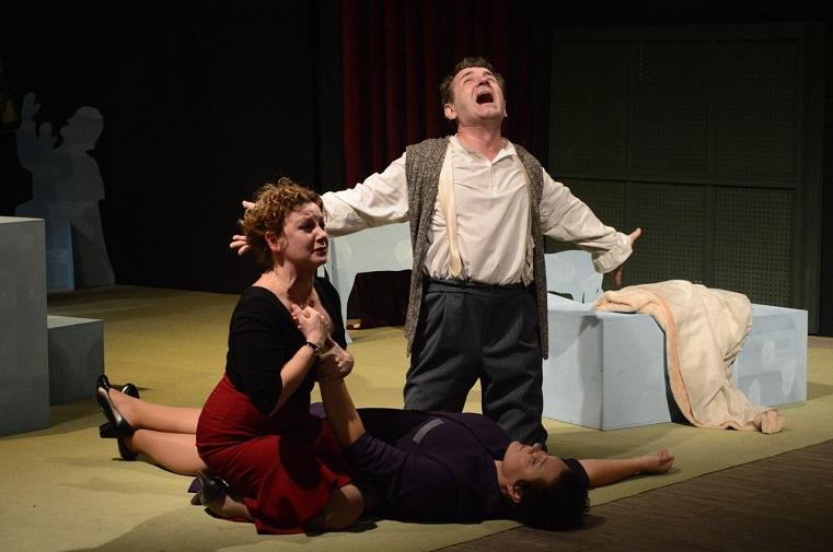 Веселое и трагичное. Челябинцы увидят пьесу о нескольких днях из жизни итальянской семьи