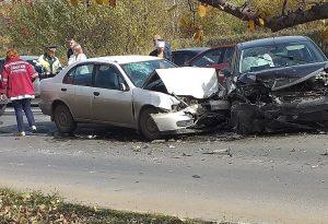 Крутой замес. 8 машин столкнулись в Челябинской области