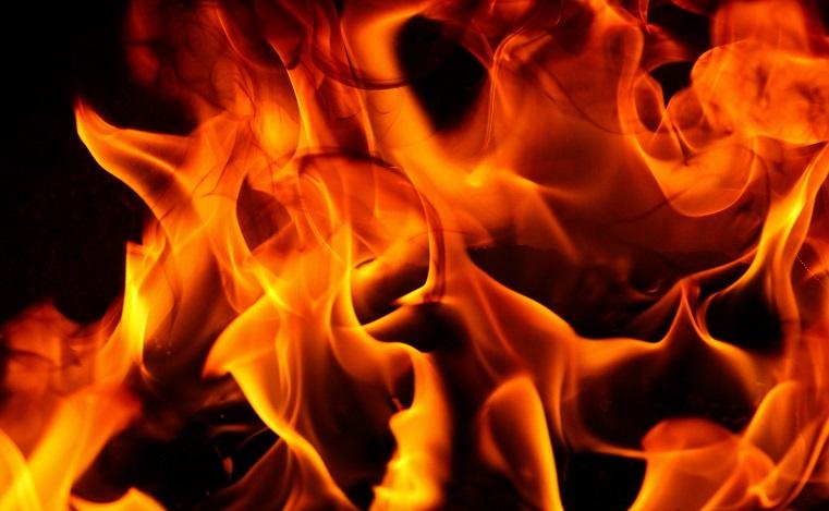 Вспыхнуло под окнами. Будущая школа загорелась в Челябинской области