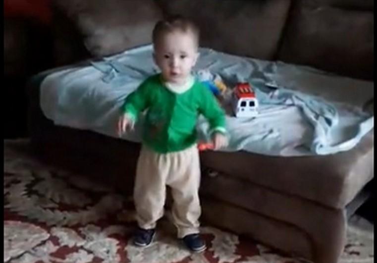 Ваня Фокин начал самостоятельно ходить