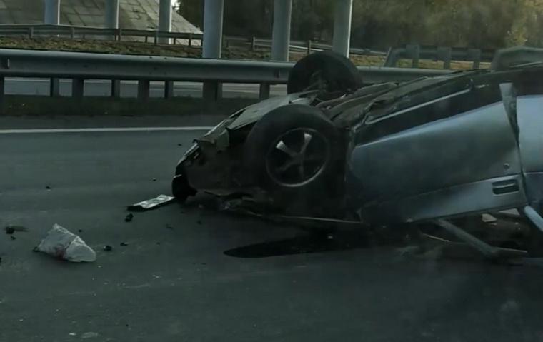 На М-5 перевернулся ВАЗ. Трое пострадали
