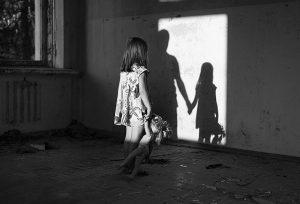Телефон отключен. В Челябинске пропала мать с трехлетним ребенком