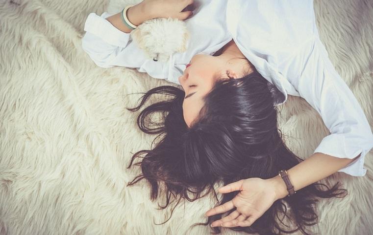 Эксперты рассказали, сколько нужно спать, чтобы быть счастливым