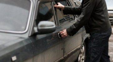 Мужчина угнал машину, чтобы доехать с работы домой