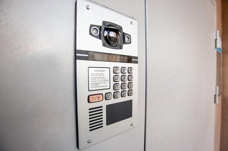 Сигнал SOS. Экстренные службы в Челябинске теперь можно вызвать по домофону