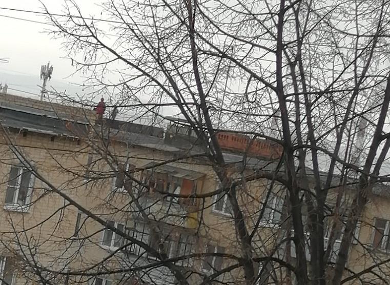 Рискованные игры. Дети на крыше многоэтажки напугали жителей Челябинской области