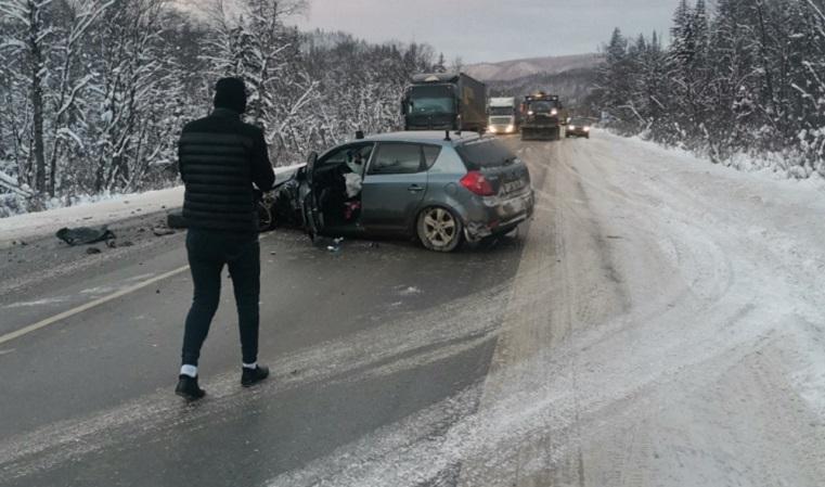 Сгоревшая фура и два авто всмятку. ДТП на трассе М5 в Челябинской области