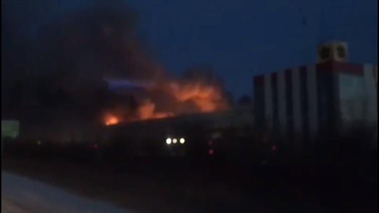 Пожар на компрессорном заводе в Челябинске. ВИДЕО очевидцев
