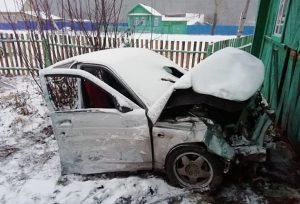 Водитель чудом остался жив, после того, как машину разорвало пополам