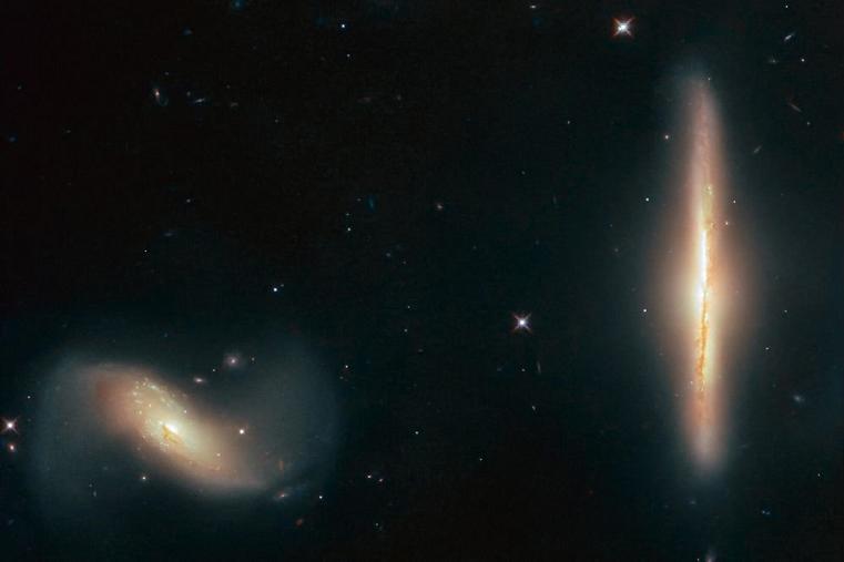 Крепкую дружбу галактик увидели астрономы с помощью телескопа