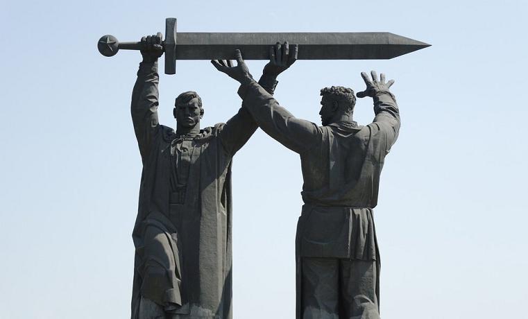 «Город трудовой доблести». Челябинску и Магнитогорску могут присвоить почетные звания