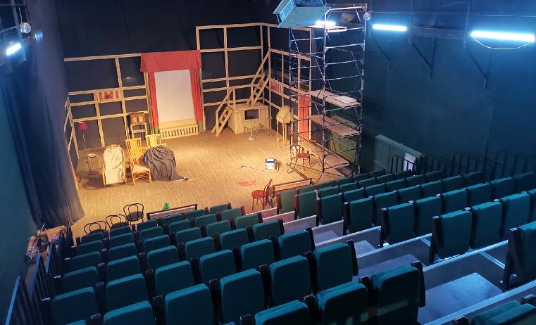 С заботой о зрителях. В Челябинске появился театральный зал-трансформер