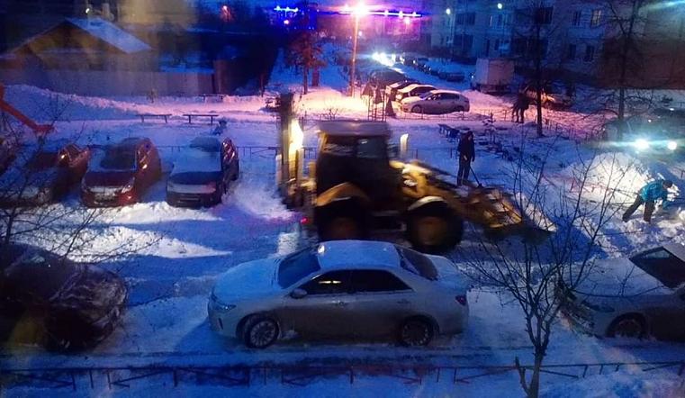 15 сантиметров снега. Спецтехника на Южном Урале будет работать всю ночь