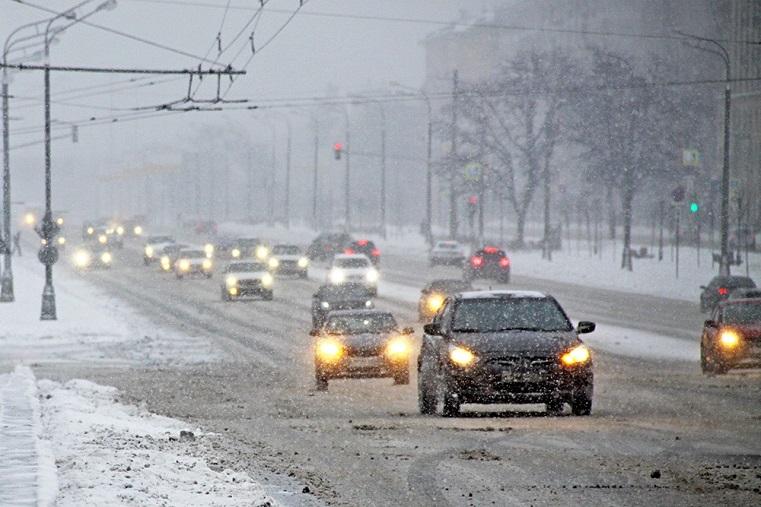 Не избежать. В Челябинске назвали улицы, которые будут посыпать реагентами
