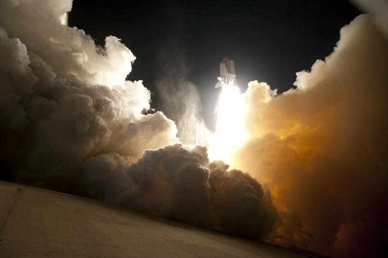 Дешевле, чем на ракете. Зачем ученые хотят построить лифт от Земли до Луны?
