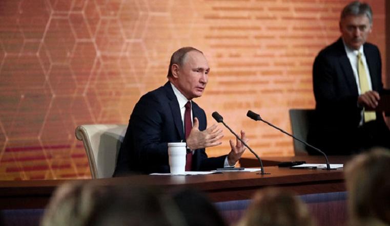 Два срока подряд? Путин прокомментировал возможность изменения Конституции России