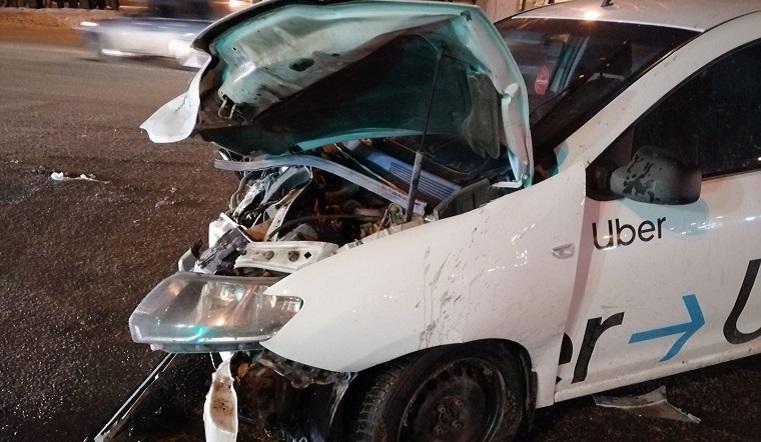 Пассажирка ранена. Такси попало в ДТП в Челябинске