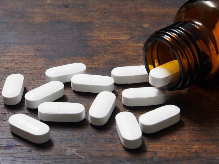 Вместо конфеток. В Челябинске отравилась таблетками 2-летняя малышка
