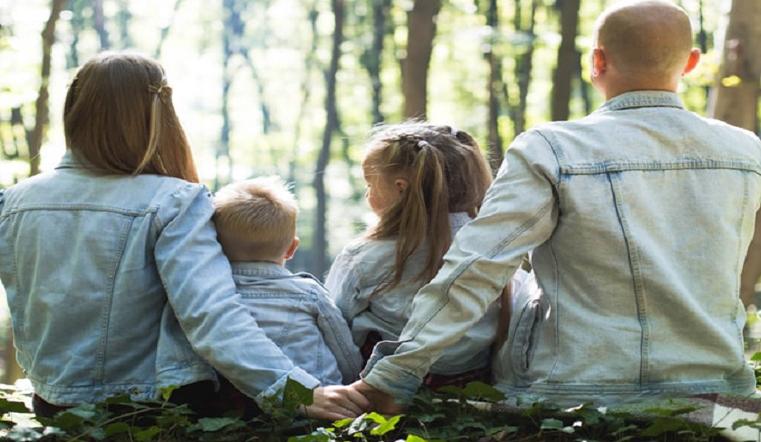 Окружить заботой и любовью. Фестиваль приемных семей провели на Южном Урале