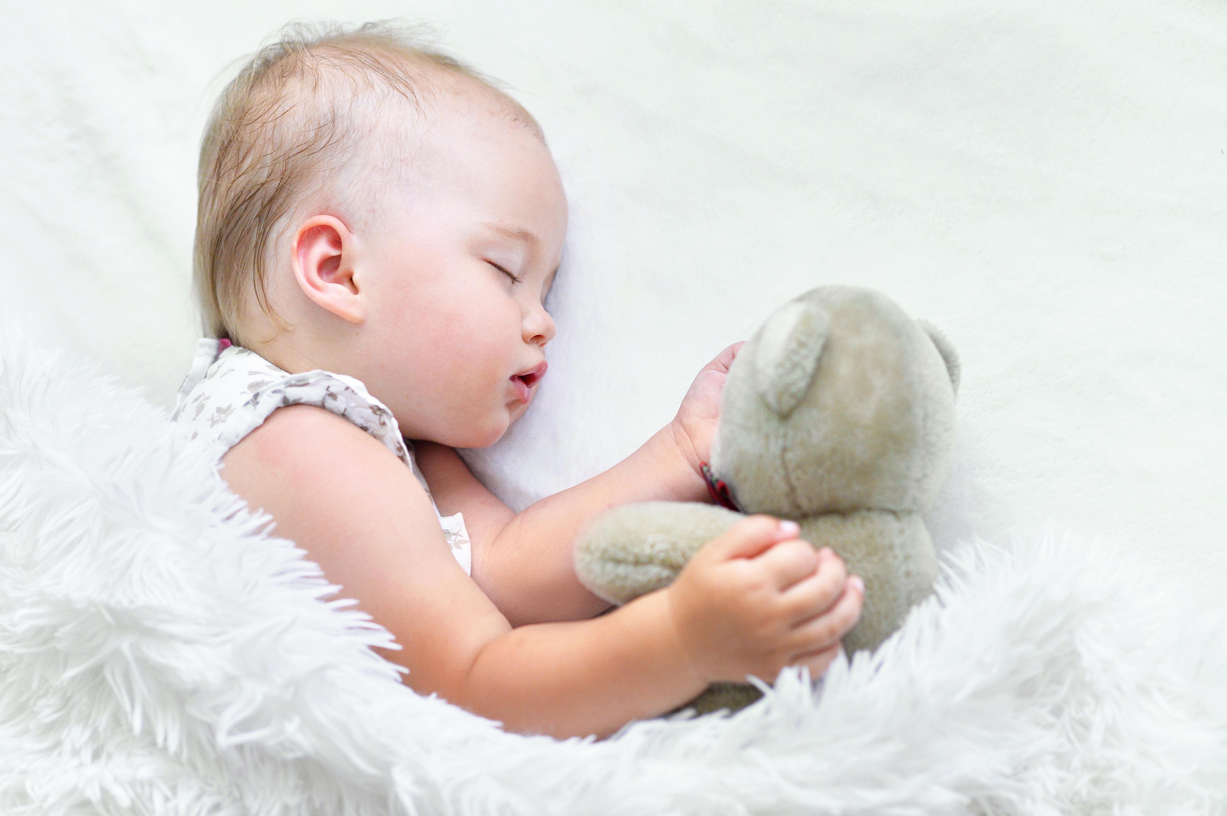 Куда делись 15 тысяч евро? Родители из Челябинска собрали деньги на лечение дочери