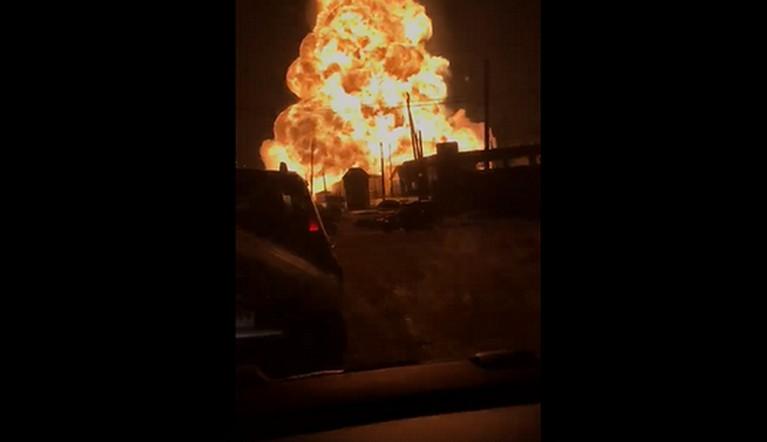 Мощный взрыв прогремел на автозаправке в Челябинской области ВИДЕО