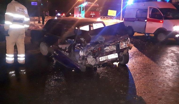 Воткнулись в забор. Такси попало в смертельное ДТП в Челябинске