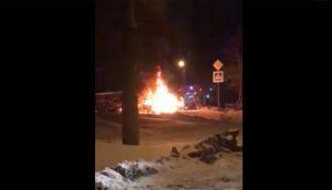 Сгорел дотла. Автохам устроил аварию с пострадавшим и пожар ВИДЕО
