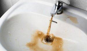 «Грязевые ванны». Кто мутит воду в квартирах южноуральцев?