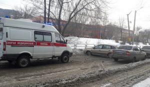 Машина поперек дороги. Приступ у водителя создал аварию в Челябинской области
