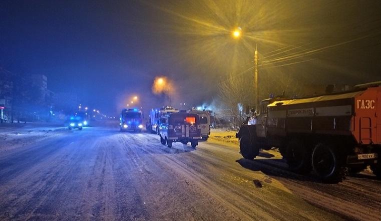Пожар под землей. Крупная парковка вспыхнула в Челябинске
