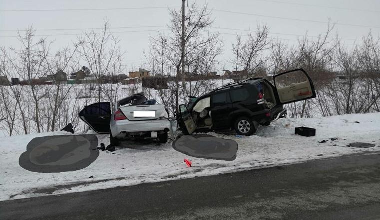 Иномарку искорежило в хлам. В ДТП на Урале погибла 5-летняя девочка