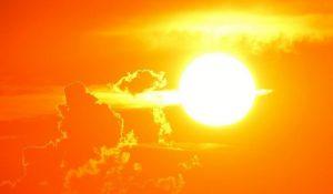 Температура выше 40 и ураганы. В России прогнозируют тяжелое лето