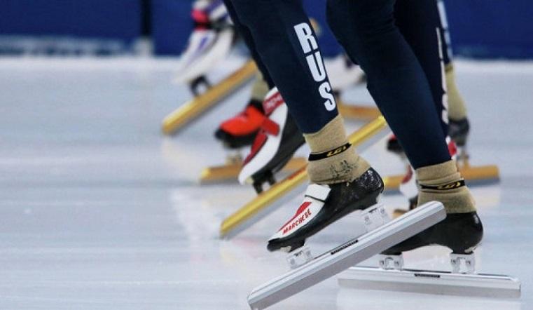Первый старт – на старейшем стадионе. Конькобежцы вышли на лед в Челябинске
