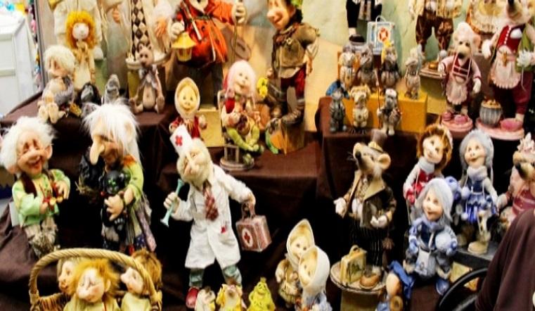 Наследники Буратино. Выставка авторских кукол открылась на Урале