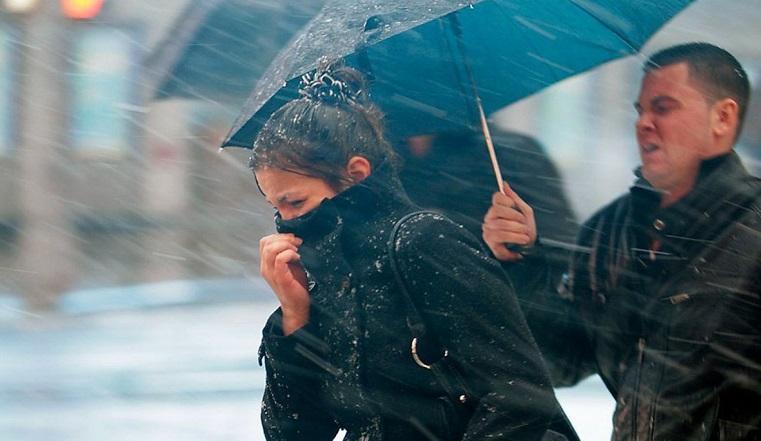 Ветер бушует. На Южном Урале продлен желтый уровень погодной опасности