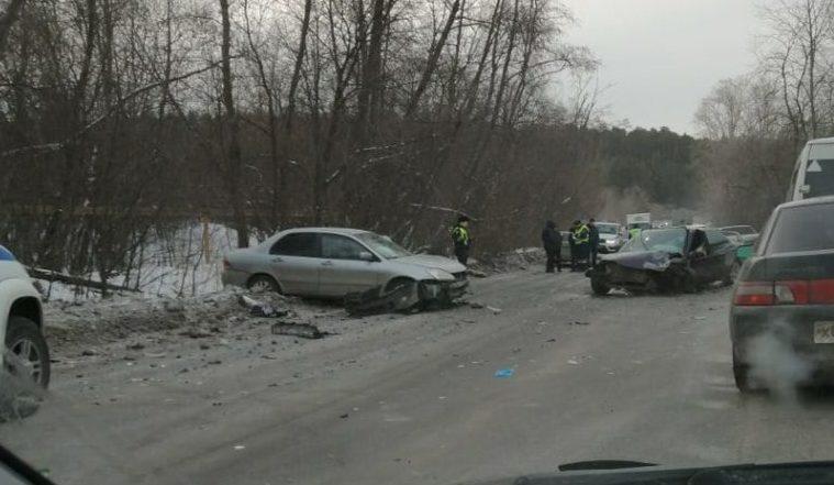 Автомобили всмятку. Жесткое лобовое ДТП произошло в Челябинской области