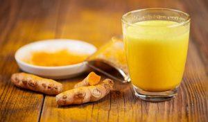 Бодрит и лечит. Чай с куркумой поможет защитить легкие от вирусов