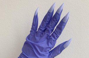 И в салон не ходи. В мире набирает популярность перчаточный маникюр