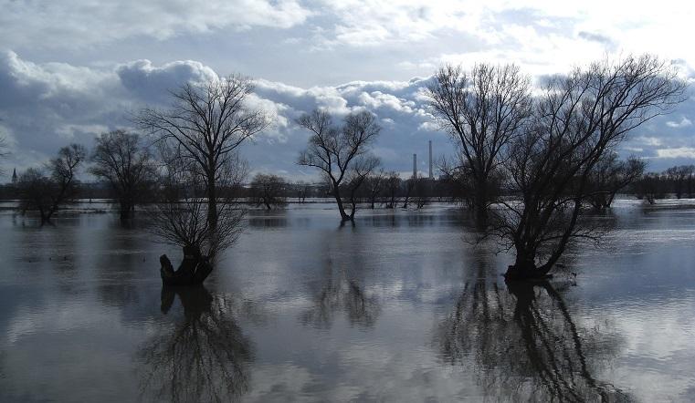 Потоп угрожает Уралу. Что делать при наводнении