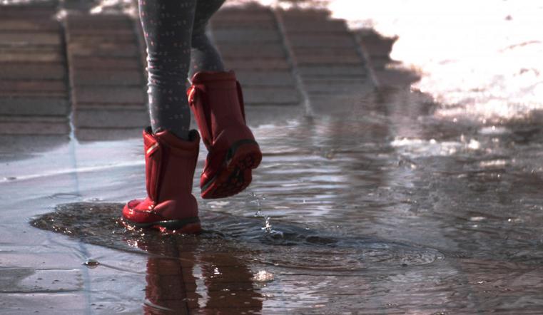 Резиновые сапоги и шарфы пригодятся. В Челябинской области ожидается дождь со снегом
