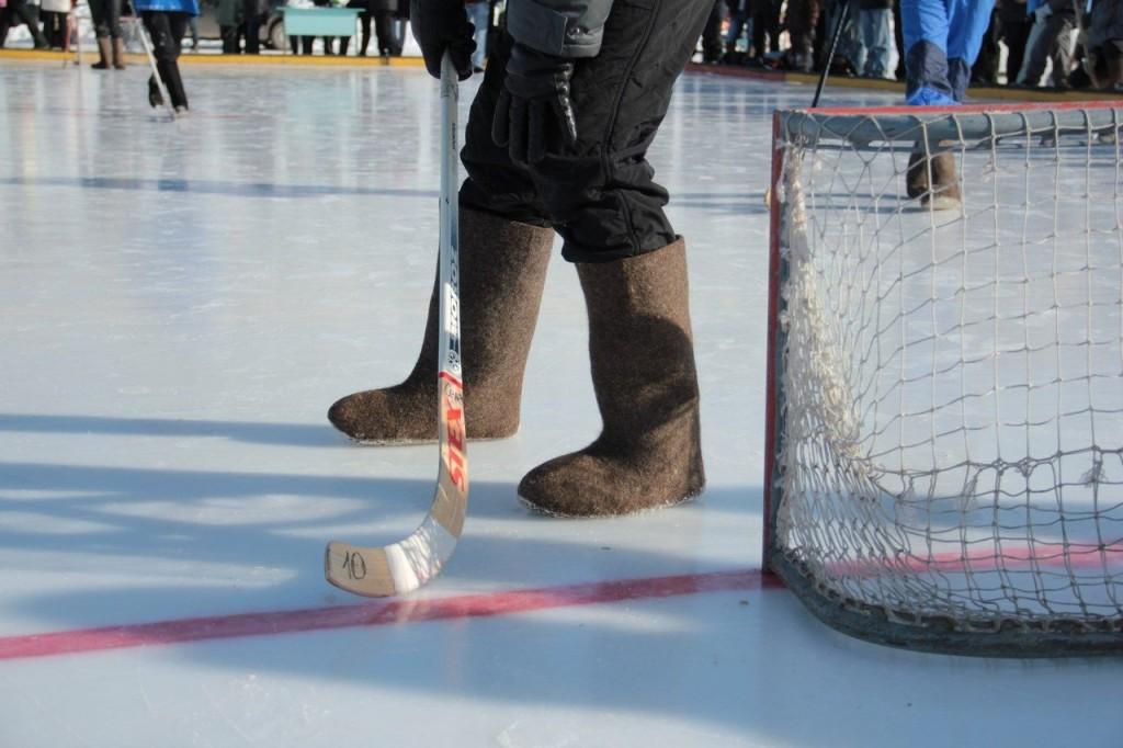 Доступный для всех. В Челябинске состоялся турнир по хоккею в валенках