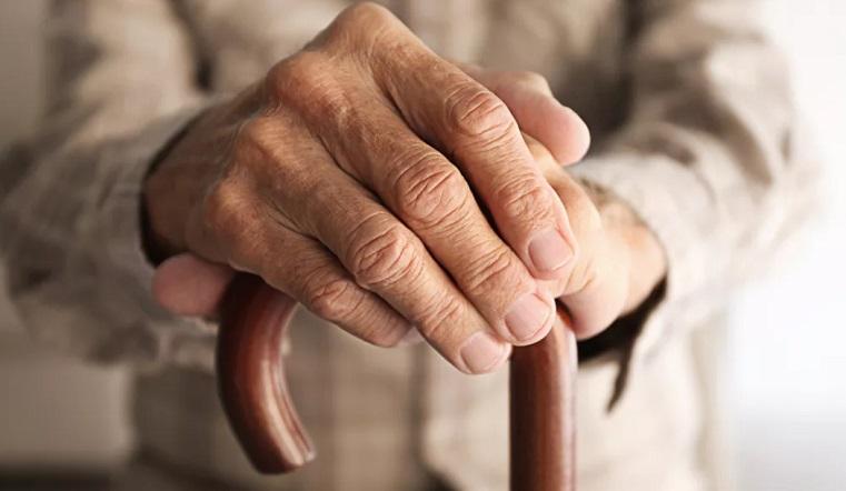 Продуты для группы риска. Волонтеры в Челябинской области ежедневно навещают стариков