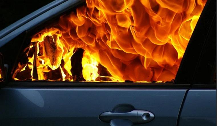 Огненная месть. Ревнивый челябинец поджег машину возлюбленной