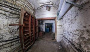Уходят в подполье. Жители Урала ищут убежище от коронавируса в туннелях и бункерах