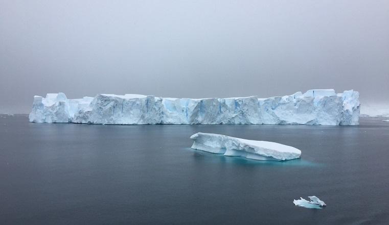 Зловещие льдины. Ученые раскрыли тайну гигантских кровавых айсбергов