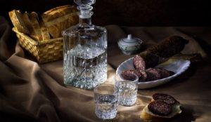 Без алкоголя и колбас. Жители России на карантине отказались от всего вредного