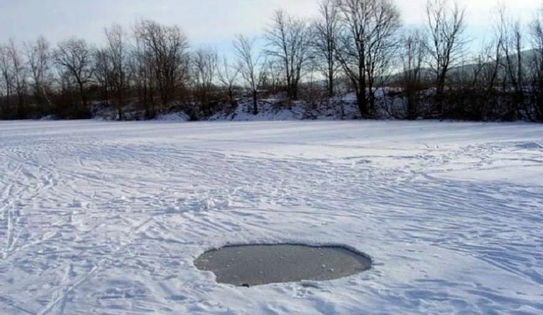 Не растерялась. Школьница из Челябинской области вытащила из полыньи 2 детей