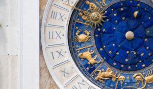 Гороскоп на 25 апреля. Астрологи назвали три знака, которые вытянут счастливый билет