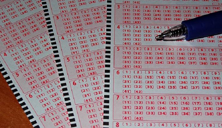Купил билетик за 40 рублей. Челябинец выиграл в лотерею больше 2 миллионов
